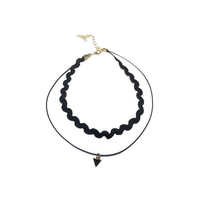 Picture of Wavy Lace Choker with Metal Triangle Pendant